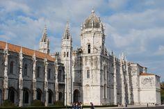 Lisboa es la capital de Portugal y es considerada una de las ciudades mas hermosas de Europa. Elija un hotel y conozca la ciudad.