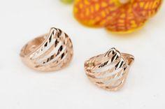 Huggie Earrings Rose Gold on Silver