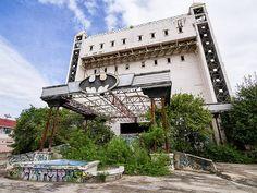 abandoned-nightclub