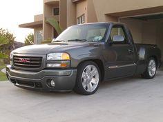 Gmc with zipper wheels, lowered and paint match. Hot Rod Trucks, Mini Trucks, Gm Trucks, Cool Trucks, Chevy Trucks, Pickup Trucks, Cool Cars, Dropped Trucks, Lowered Trucks