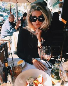 rosé and burrata Natasha Oakley, Thing 1, Looks Cool, Beautiful People, Glamour, Photoshoot, Style Inspiration, Travel Inspiration, Street Style