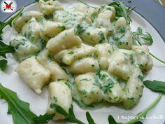 Gnocchetti di farina e parmigiano con crema di Asiago e rucola