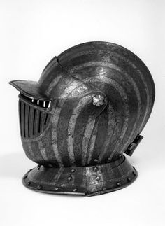 Any time I spy a viable bar grill alternative I'll pin it. Types Of Armor, Good Knight, Knights Helmet, Sand Sculptures, Knight Armor, Suit Of Armor, Medieval Armor, Bar Grill, Central Europe