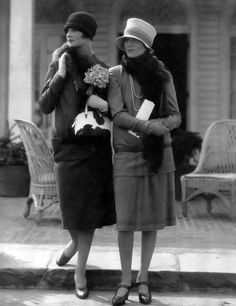 Two Models: the one at left in a wool suit by Molyneux; the one at right in a two-piece dress by Drecoll, Photograph by Edward Steichen. from Edward Steichen: Lives in Photography by Todd Brandow and William A. Foto Fashion, Art Deco Fashion, Fashion History, Fashion Models, Fashion Beauty, Edward Steichen, Vintage Glamour, Vintage Beauty, Mode Vintage
