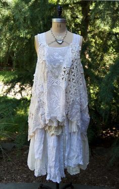 New shabby chic clothes dresses vintage lace 47 Ideas Moda Vintage, Vintage Lace, Vintage Dresses, Vintage Outfits, Shabby Vintage, Altered Couture, Boho Chic, Bohemian Style, Boho Outfits