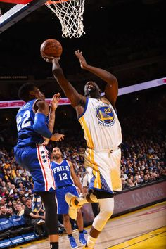 Draymond Green of the Golden State Warriors shoots a lay up against the Philadelphia 76ers during the game on March 14 2017 at ORACLE Arena in...