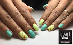 Tavaszi színek Pethő Henitől PearLac Classic 376 és One Step 088 gél lakkokkal elkészítve, konfettivel díszítve. Spring nails made by Heni Pethő with PearLac Classic 376 and One Step 088 gel polishes, decorated with confetti. #pearnails #nails #gelpolish #gelpolishnails #gelpolished #springnails #squarenails #nailstagram #confettinails #yellownails #mintnails #nails #nailstagram #nails4you #nailswag #nailsonfleek #műköröm #csakapearlnails #ilovepearlnails Convenience Store, Confetti, Convinience Store