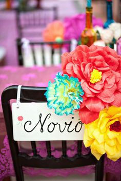 Mexico wedding, I love this bright colors with the purple table clothes