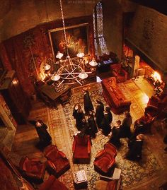 Philosopher's Stone - Gryffindor Common Room!i want this to be my living room like in my hobbit house or something