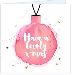 Unieke dubbele kerstkaart met verhuisbericht. Versierd met watercolor effect, met pastel roze waterverf getekende kerstbal, spetters, speels losse goud elementjes (look), ruimte voor twee eigen foto's en hippe brush handgeschreven letters. Enveloppen los bij te bestellen!