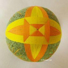 てまり「つむ型模様」緑地、橙、黄 手まり 手毬 手鞠