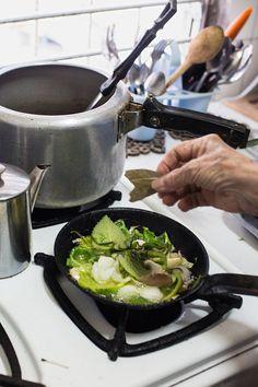 Yolanda Horruitiner prepares a homey Cuban supper. (Photo: Lisette ...