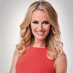 Brooke Anderson is an American television host and entertainment journalist who was a co-host of The Insider. Currently, she serves as a correspondent for Entertainment Tonight. Eye Color, Hair Color, Samantha Harris, Kappa Delta Sorority, Entertainment Tonight, Slim Body, Eminem, Body Measurements, Biography