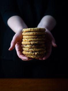 Μπισκότα με φιστικοβούτυρο και Nutella — Madame Gâteaux Nutella Cookies, Tea Service, Afternoon Tea, Cinnamon Sticks, Peanut Butter, Spices, Desserts, Recipes, Food