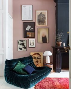 Home interior Design Videos Living Room Hanging Plants Link – Right here are the best pins around Coastal Home interior! Decoration Inspiration, Interior Inspiration, Room Inspiration, Decor Ideas, Retro Home Decor, Cheap Home Decor, Cafe Interior, Home Interior Design, Interior Paint