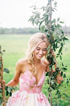 Packed with pink prettiness this Southern wedding charm is about to renew your girly soul and your Pinterest boards with steal worthy ideas.