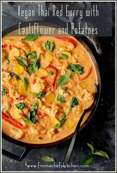 Vegan Thai Red Curry with Cauliflower and Potatoes is spicy and delicious with a side of healthy! It's the perfect veggie-packed meal to warm you up on a chilly fall night you won't feel guilty about! via Vegan Thai Red Curry with Cauliflower and Potatoes Best Dinner Recipes, Indian Food Recipes, Whole Food Recipes, Cooking Recipes, Healthy Recipes, Budget Recipes, Vegan Indian Food, Thai Food Recipes, Healthy Meals