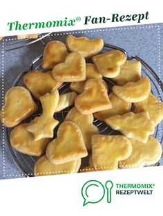 Buttergebäck / Butterplätzchen nach Oma Ida Shortbread / Butter Cookies to Grandma Ida by A Thermomix ® recipe from the Baking Sweet category www.de, the Thermomix® Community. Peanut Butter Cookie Recipe, Cookie Recipes, Snack Recipes, Food Allergy Symptoms, Food Allergies, Nougat Cake, Biscuits Packaging, Yummy Appetizers, Simple Appetizers