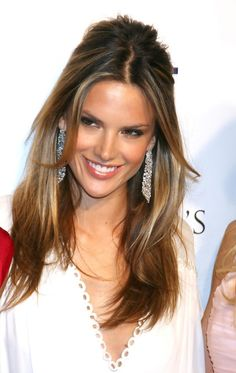 Alessandra Ambrosio Photos - Victoria's Secret Lexington Flagship Store Opening - love the hair!