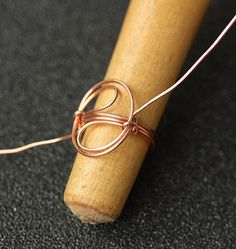 awesome tutorial – if you can do this, you can make any wire wrap ring of choise (almost)