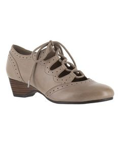 Stone Posie Cut-Out Oxford Pump