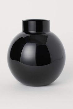 Vase rond en verre - Noir - Home All Round Glass Vase, Small Glass Vases, Schwarz Home, Classic Curtains, H & M Home, Fragrant Candles, Black Vase, Keramik Vase, Vase Arrangements