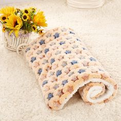 Pet Air Conditioning Blanket Pet Dog Cat Rest Blanket Pet Cushion Bed Soft Warm Sleep Mat