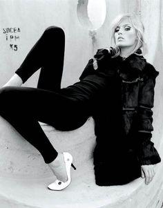 beautiful black and white high fashion photography   Black_and_White_Fashion_Photography36