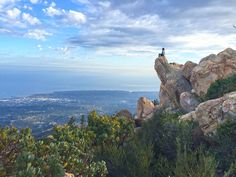 From hidden Santa Barbara hiking trails to popular paths and viewpoints, these are some of the best hikes (and views) in Santa Barbara& mountains. Santa Barbara Hikes, Uc Santa Barbara, Hikes Near Portland, Portland Oregon, Places To Travel, Places To See, Travel Destinations, Waterfall Hikes, Wanderlust