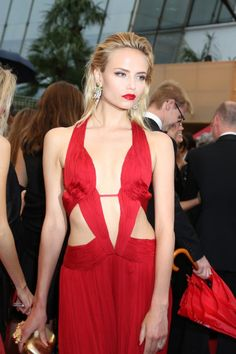 994e7a8dbf6 Natasha Poly in Black and Red Skin-Baring Dresses