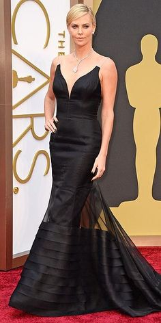 Academy Awards 2014: Arrivals : Charlize Theron in Dior Haute Couture