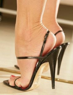 Here's a definition of a sexy pair of heels. This is the type my old lady wears. She wears all types of heels with the exact heel height. Very High Heels, Open Toe High Heels, Black High Heels, High Heel Boots, Beautiful High Heels, Gorgeous Feet, Sexy Legs And Heels, Women's Feet, Ankle Strap Heels