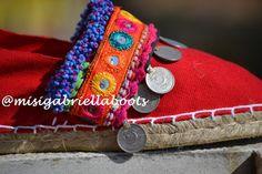 ESPADRILES, ESPARDEÑAS, ALPARGATAS, Ethnic Espadriles, Alpargatas étnicas, Afghan Espadriles Hippie Shoes, Hippie Bags, Bohemian Sandals, Boho Boots, Boot Jewelry, Make Your Own Clothes, Crochet Shoes, Cute Sandals, Painted Shoes