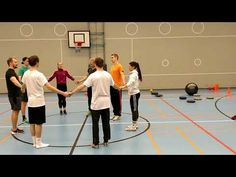 Vaikeutuva & hauska piirihyppely - YouTube Man Games, Team Building, Physical Education, Physics, Basketball Court, Youtube, Exercise, Teaching, School