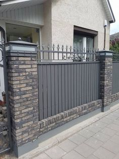 3 Top Tips: Modern Front Yard Fence horizontal fence cedar.Fence And Gates Plants fence painting cuprinol. Brick Fence, Concrete Fence, Front Yard Fence, Metal Fence, Fenced In Yard, Gabion Fence, Stone Fence, Aluminum Fence, Pallet Fence