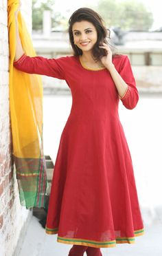Beautiful Plain Red Party Wear Anarkali Suit with Yellow Dupatta. Churidar Designs, Kurta Designs Women, Blouse Designs, Indian Dresses, Indian Outfits, Lace Dresses, Indian Designer Outfits, Designer Dresses, Salwar Pattern