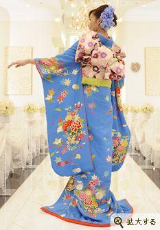 Furisode Japanese Wedding Kimono, Japanese Kimono, Japanese Love, Kimono Fabric, China, Japanese Outfits, Yukata, Fashion Books, Kimono Fashion