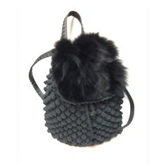 Furry chic!!!!!! Backpack ✔#chic #unique #furry #winter #bubbles #handmadebags #loveit #fashion #backpack #wintercollection #black