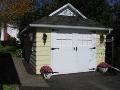 1910 craftsman garage by Hardrock Construction - traditional - garage and shed - toronto - Sandra Howie