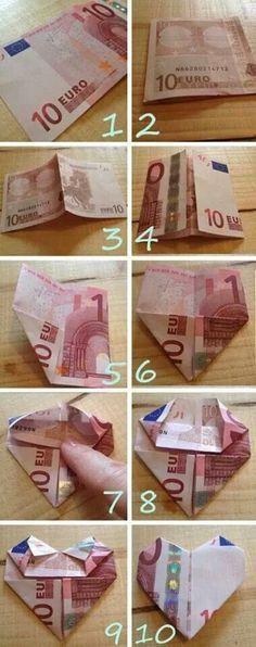 Geld vouwen in vorm van hart Kijk ook voor gepersonaliseerde bedankjes op www.dewonderwerkplaats.nl