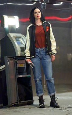 JESSICA JONES Season 2 Set Photos Reveal That Krysten Ritter's Hero Will Finally Sport A New Outfit