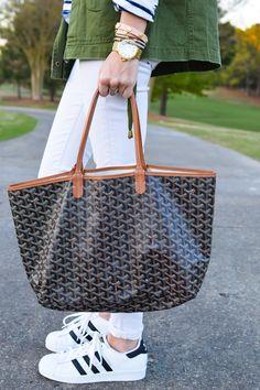 Goyard tote bag, Adidas sneakers and white jeans spring outfit Goyard St Louis Tote, Goyard Tote Bag, Goyard Handbags, Cute Handbags, Workwear Fashion, Moda Fashion, Style Fashion, Preppy Fashion, Fashion Blogs