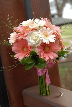 pink wedding flower bouquet, bridal bouquet, wedding flowers, add pic source on comment and we will update it. can create this beautiful wedding flower look. Wedding Flower Photos, Bridal Flowers, Flower Bouquet Wedding, Floral Wedding, Trendy Wedding, Gerbera Daisy Wedding, Wedding White, Coral Wedding Flowers, Diy Wedding