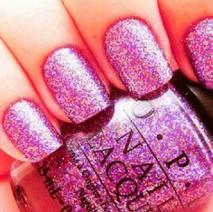 Light Pink Sparkled Nails.