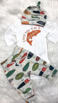 Fishing baby gone fishing hunting baby camo baby fishing lures take home outfit coming home outfit baby shower gift i m a keeper This adorable set is made with organic cu. Camouflage Baby, Baby Outfits, Baby Shower Outfits, Newborn Outfits, Baby Boys, Baby Boy Camo, Baby Shower Gifts, Baby Gifts, Baby Presents