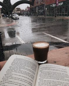 Book and coffee on a lovely rainy day Book And Coffee, Coffee Love, Happy Coffee, Coffee Coffee, Coffee Beans, Rain And Coffee, Coffee Pics, Coffee Club, Starbucks Coffee