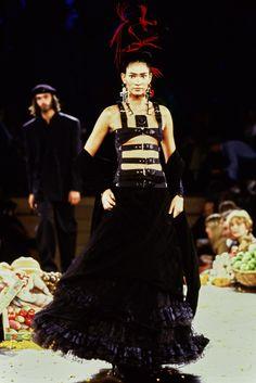7f6a4da8ad510 Jean Paul Gaultier Spring 1998 Ready-to-Wear Fashion Show