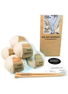 Easy levelThe kit contains:* 6 Skeins of Wool gr).* 15 mm / US 19 wooden knitting needles.* The pattern* A Small Knitter's sewing needle* The embroidered label* WAK PackagingImage color: NaturalThe size that is shown in the image is: XL Chunky Knitting Patterns, Knitting Kits, Knitting Socks, Hobby Kits, Hobby Supplies, Crochet Unique, Wooden Knitting Needles, Knit Basket, Vogue Knitting