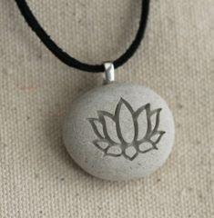 Regalo de joyería  collar lotus  Yoga para el amante del