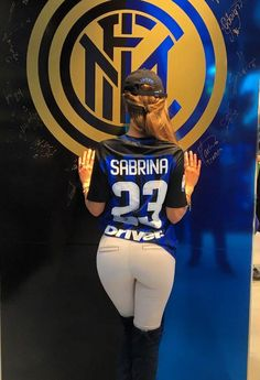 Hot Football Fans, Football Girls, Soccer Fans, Inter Milan Logo, Messi Soccer, Sexy Golf, Female Volleyball Players, Nfl Cheerleaders, Sports Women